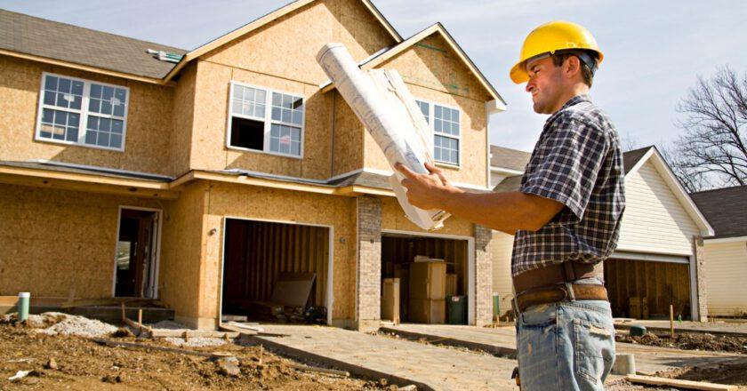 Tynki maszynowe przy budowaniu domu